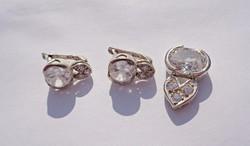 4 csiszolt köves ezüst medál és fülbevaló, szett