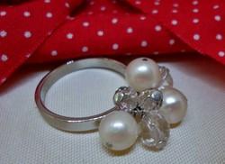Szép ezüstgyűrű valódi,természetes gyöngyökkel kristályokkal
