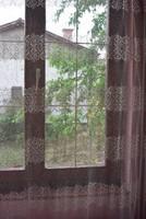 Gyönyörű sávos rózsamintás nagyméretű lehellet vékony vajszínű retro nylon függöny