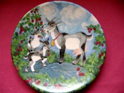 Gyűjtői Kermansavi Finland kis fali tányér kecske családdal