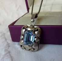 Régi szép kézműves ezüst medál akvamarinkék kővel, ezüstláncon