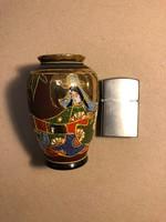 Kicsi ázsiai porcelán váza