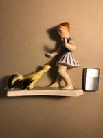 Lány tyúkkal kerámia figura