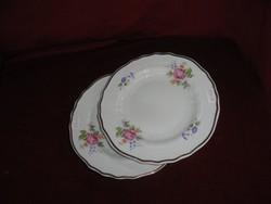 Hollóházi porcelán süteményes tányér, átmérő 19 cm. Virágmintás.