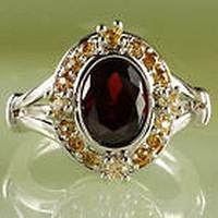 Gyönyörű, rubin köves gyűrű belső átmérő 18 mm