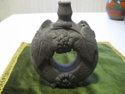 Régi mohácsi  perec kulacs, fekete kerámia kisebb sérülésekksl   15 cm