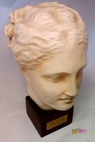 Hügieia, vagy Hygieia istennő kerámia fejszobra, az Ermitázsban lévő ókori szoboról mintázva