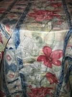 Csodaszép színvilágú festői virágos sötétítő függöny