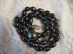 Fekete édesvízi gyöngysor