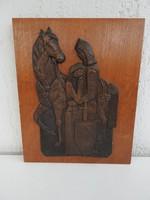Lovaskatona búcsúzik szerelmétől - bronzkép falapon