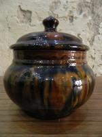 Jelzett és sorszámozott retro kerámia cukortartó, bonbonier (Badár Erzsébet)