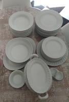 Fehér színű 43 db-os elegáns porcelán étkészlet