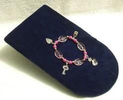 Bizsu ékszer Rózsaszín karkötő fityegőkkel