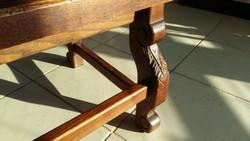 Gyönyörű antik faragott dohányzóasztal