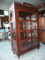 Picike, nagyon szép, sok helyen faragott, réz díszes, tükrös EMPIRE vitrin / könyv szekrény