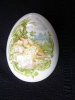 Nagy zsánerjelenetes porcelán tojás bonbonier