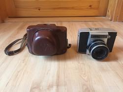Antik Pentina fényképezőgép bőr tokjában Pécs jelzéssel