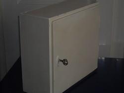 Retro gyógyszer-pipere szekrény