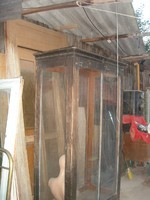 Antik vitrin-restaurálandó