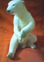 Hatalmas jegesmedve
