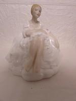 Hibátlan Royal Doulton porcelan szobor