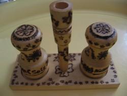 Asztali fa só-bors fűszer tartó
