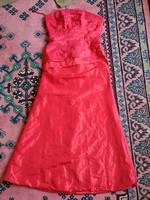 38-40 vörös hosszú fűzős alkalmi női ruha, báli, menyecske
