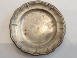 Mini fém (játék) tányér
