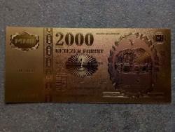 Gyönyörű arany színű plasztik dísz Millennium 2000 Forint (id8375)
