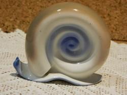 Aquincumi aquazur festésű csiga.