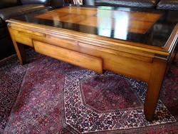 Assi d'Asolo különleges dohányzóasztal, kihúzható tálcákkal és fiókokkal