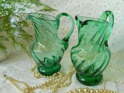 Szép zöld üveg kis kancsó, kiöntő 2 db egyben