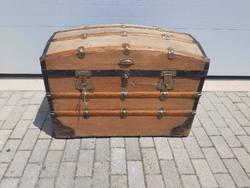 Antik utazó láda, koffer, hajóláda
