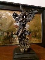 Bőség angyala - bronz szobor