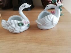 2 db keleti porcelán hattyú
