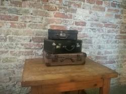 Régi kis bőrönd,gyerek bőrönd,kis koffer,loft,vintage,dekor