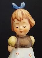 Hummel kékruhás kislány, 10 cm