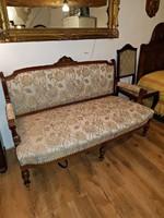 Több min 100 éves,gyönyörű,antik kanapé, kifogástalan állapotban.