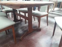 G Plan étkező asztal 6 székkel