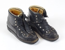 0X319 Régi olasz bőr sícipő síbakancs DOLOMITE