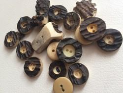 Különleges gombok csontból, agancsból, csontgomb
