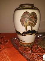 Jelzett váza
