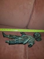 2 kilós, gyönyörűen kidolgozott, törött lábú, és kalapú horgász fiú