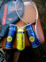 2 db Teniszütő 3 doboz Labda 1 db Ütőtok