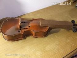 Régi, antik, nagyobb méretű lemezjáték hegedű-játék!
