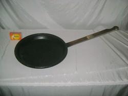 Régi, hagyományos palacsinta sütő