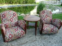 Ritka antik design Art Deco fotel pár újra kárpitozva, a hozzá való kerek asztalkával garnitúrában