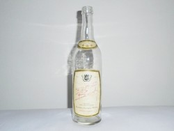 Retro üveg palack - Red Star Brandy - Kisvárdai Szeszipari Vállalat - 0.5 L - 1970-1980-as évekből