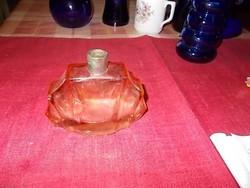 Parfümös üveg.