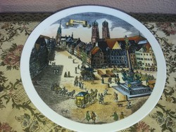 Jelenetes Porcelán Kistányér Müncheni Városkép